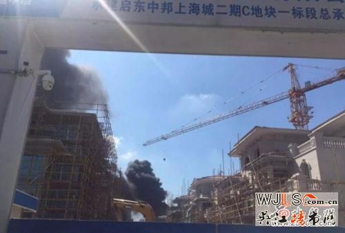 突发!江苏碧桂园一在建别墅区突发大火 现场浓烟滚滚